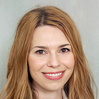 Dr. Christine Zewe